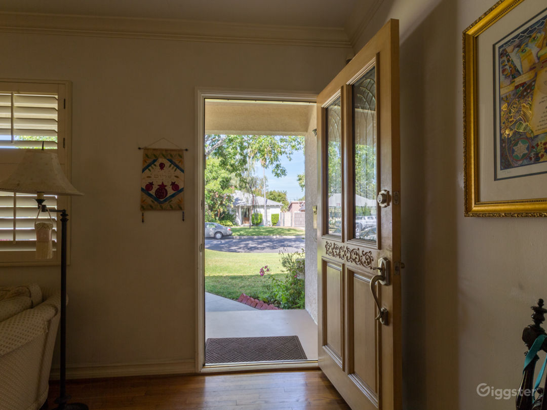 Cozy Ranch Style Home with Large Yard Photo 4
