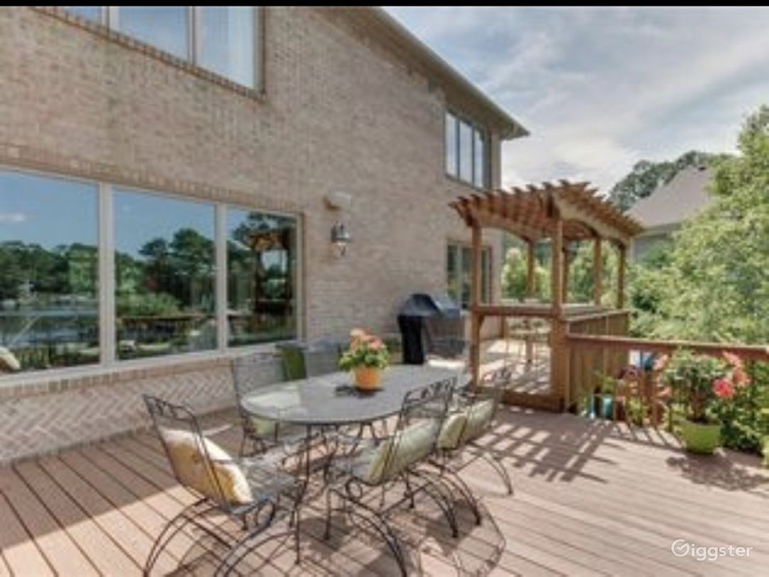 Waterfront house Photo 4