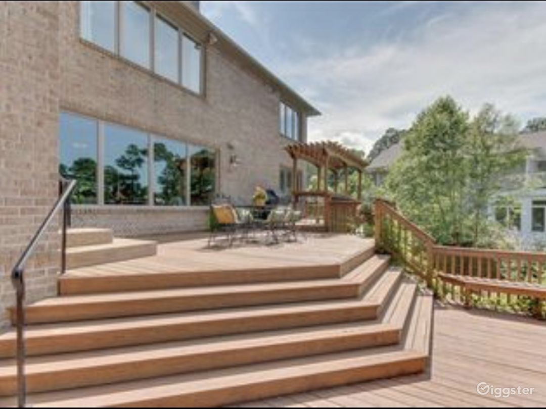 Waterfront house Photo 1