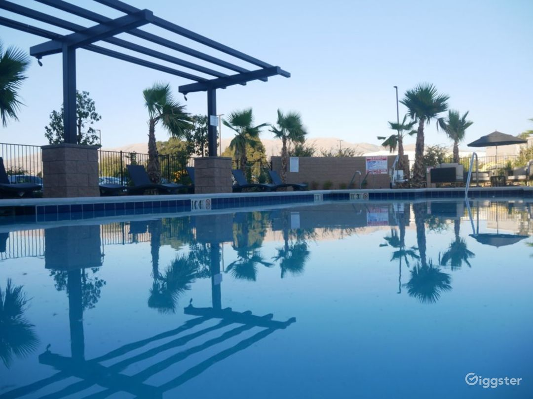 Poolside hip Lounge in Silicon Valley Photo 1