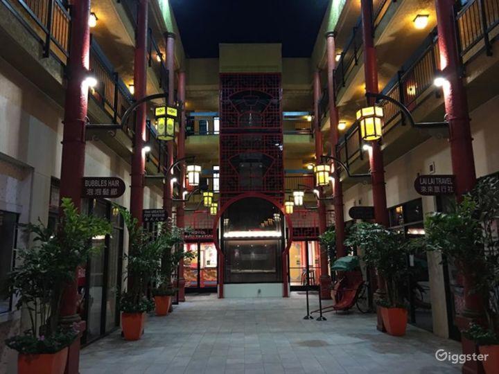 Spacious Hotel Gym in LA Photo 5