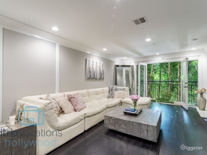 Boutique Townhome Photo 2