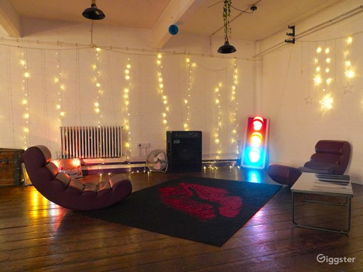 Furnished Blackout Studio in London Photo 4