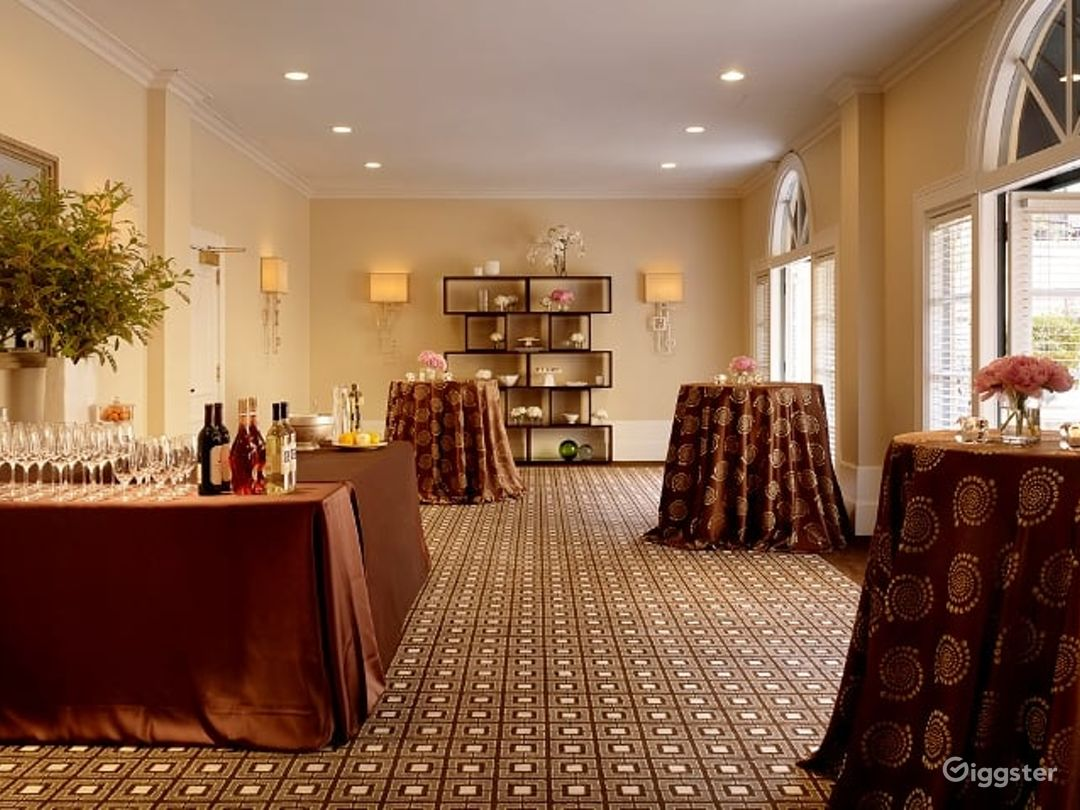 A Serene Terrace Room in Palo Alto Photo 1