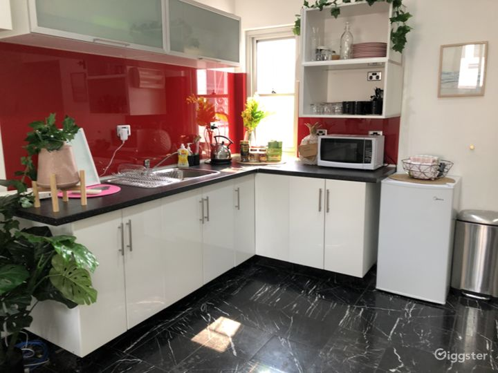 Access to kitchen, microwave, fridge and tea / coffee.