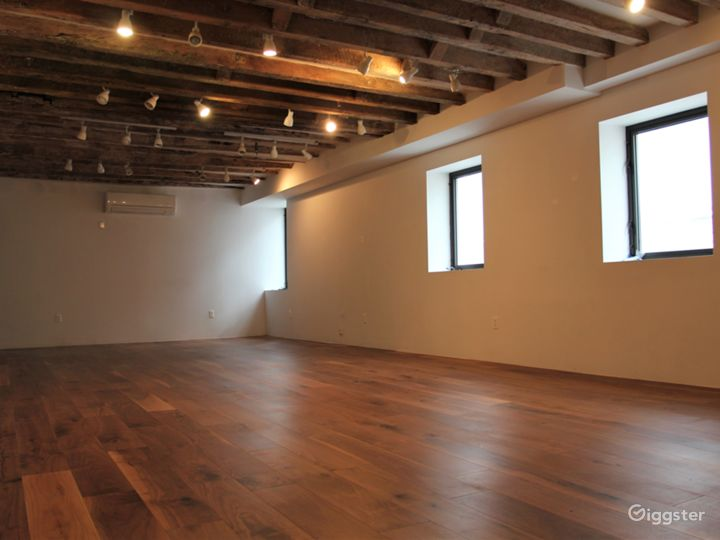 LES Gallery & Yoga Studio with Wooden Beams Photo 5