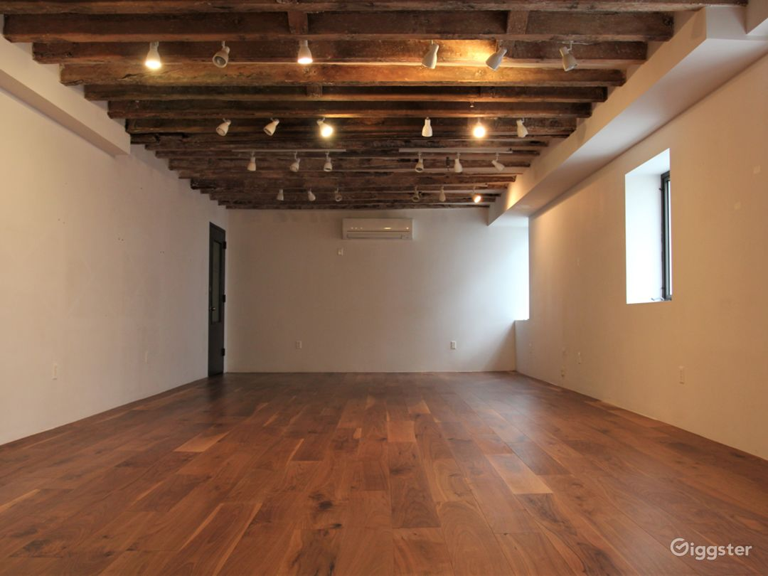 LES Gallery & Yoga Studio with Wooden Beams Photo 1