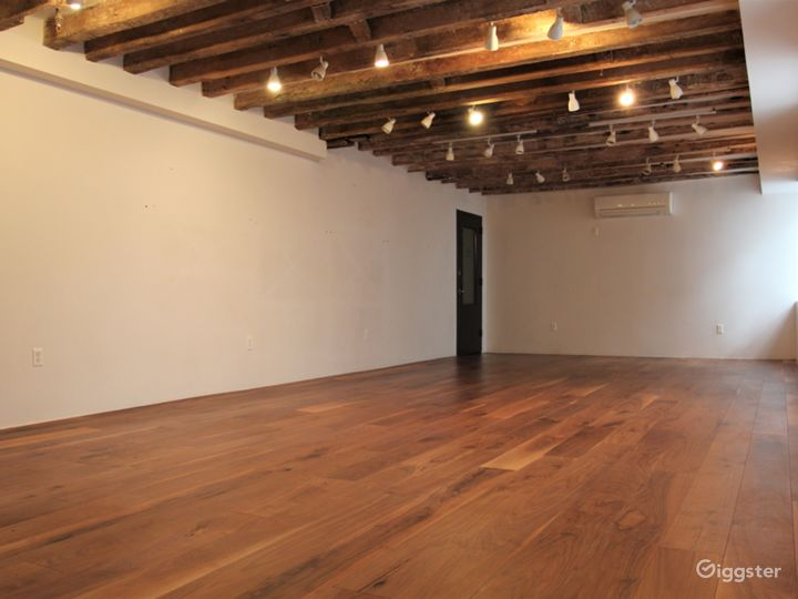 LES Gallery & Yoga Studio with Wooden Beams Photo 3