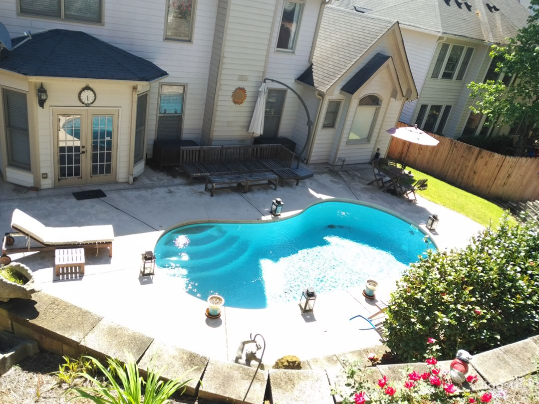 Executive home with pool Vinings Photo 2