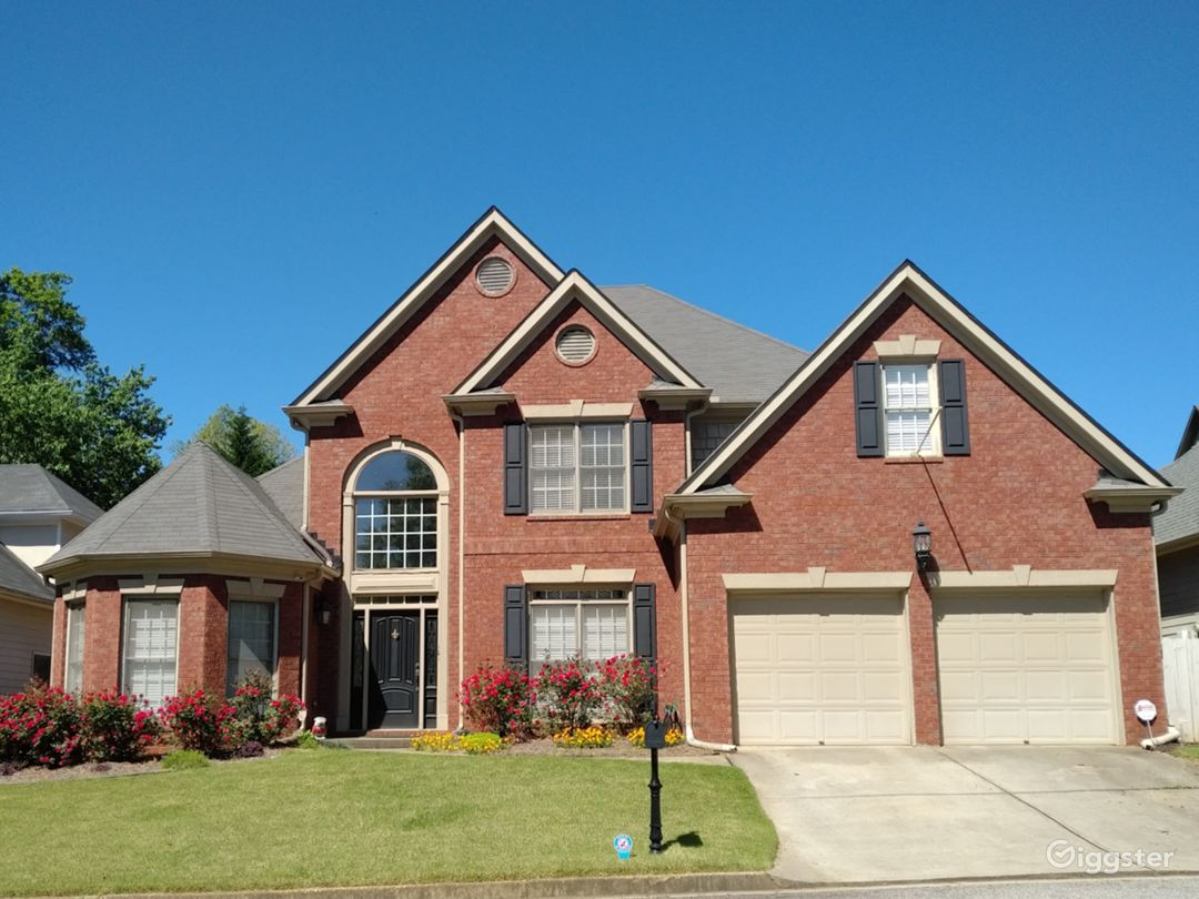 Executive home with pool Vinings Photo 1