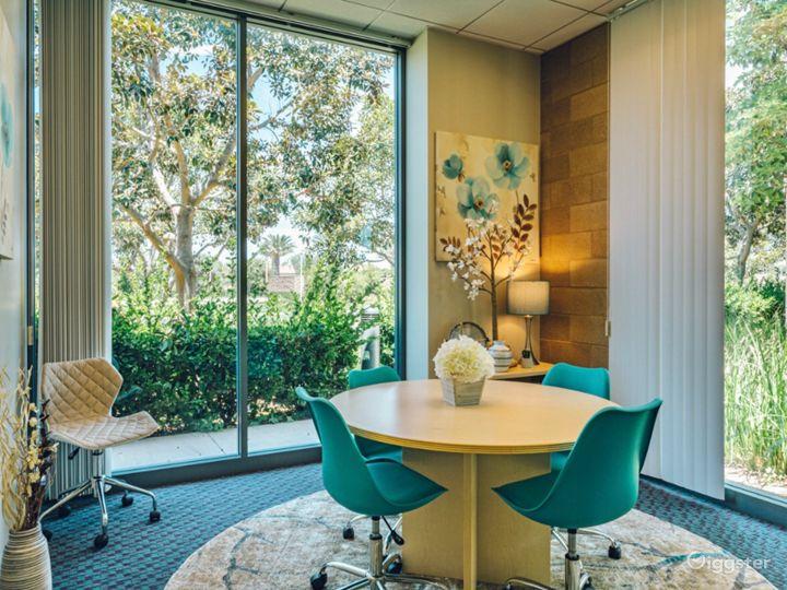 Stylish Small Meeting Room