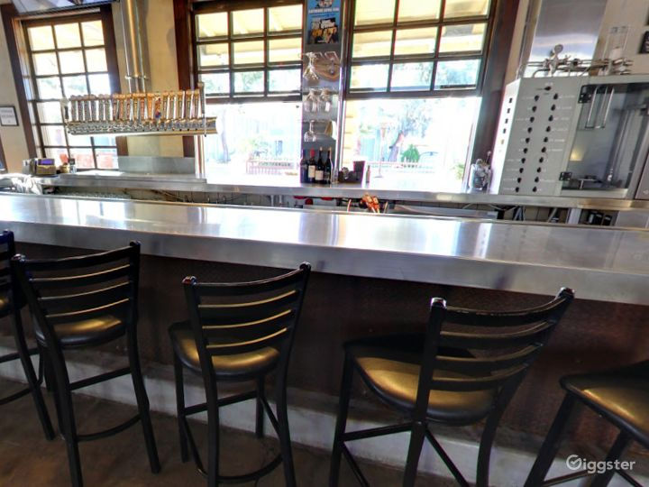 Private Bar Space for Parties in Tempe Photo 4