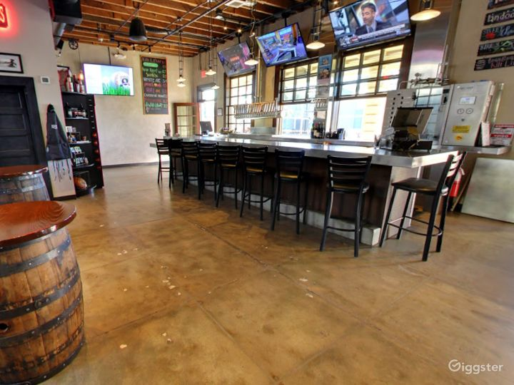 Private Bar Space for Parties in Tempe Photo 5