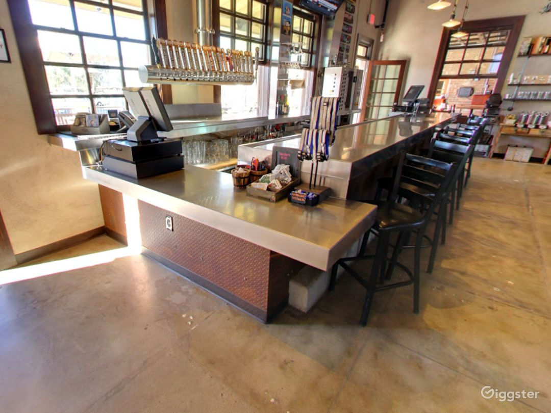 Private Bar Space for Parties in Tempe Photo 1