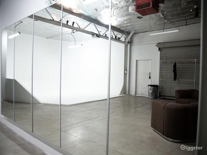Pre-Liy Cyc Wall/ Creative Space/NoHo Photo 3