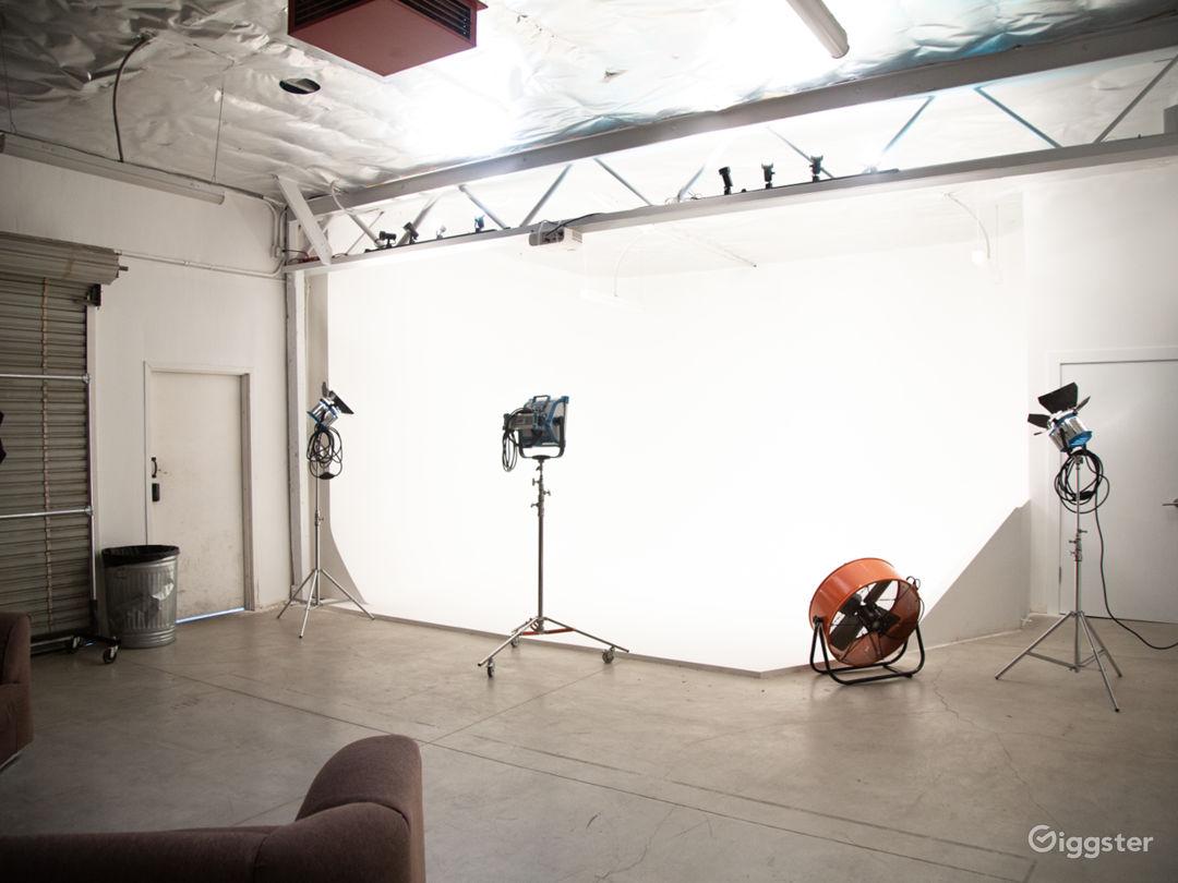 Pre-Liy Cyc Wall/ Creative Space/NoHo Photo 1