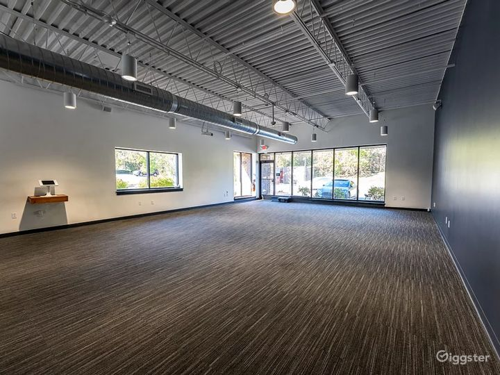 MODERN AND EQUIPPED EVENT SPACE AT KING OF PRUSSIA Photo 3