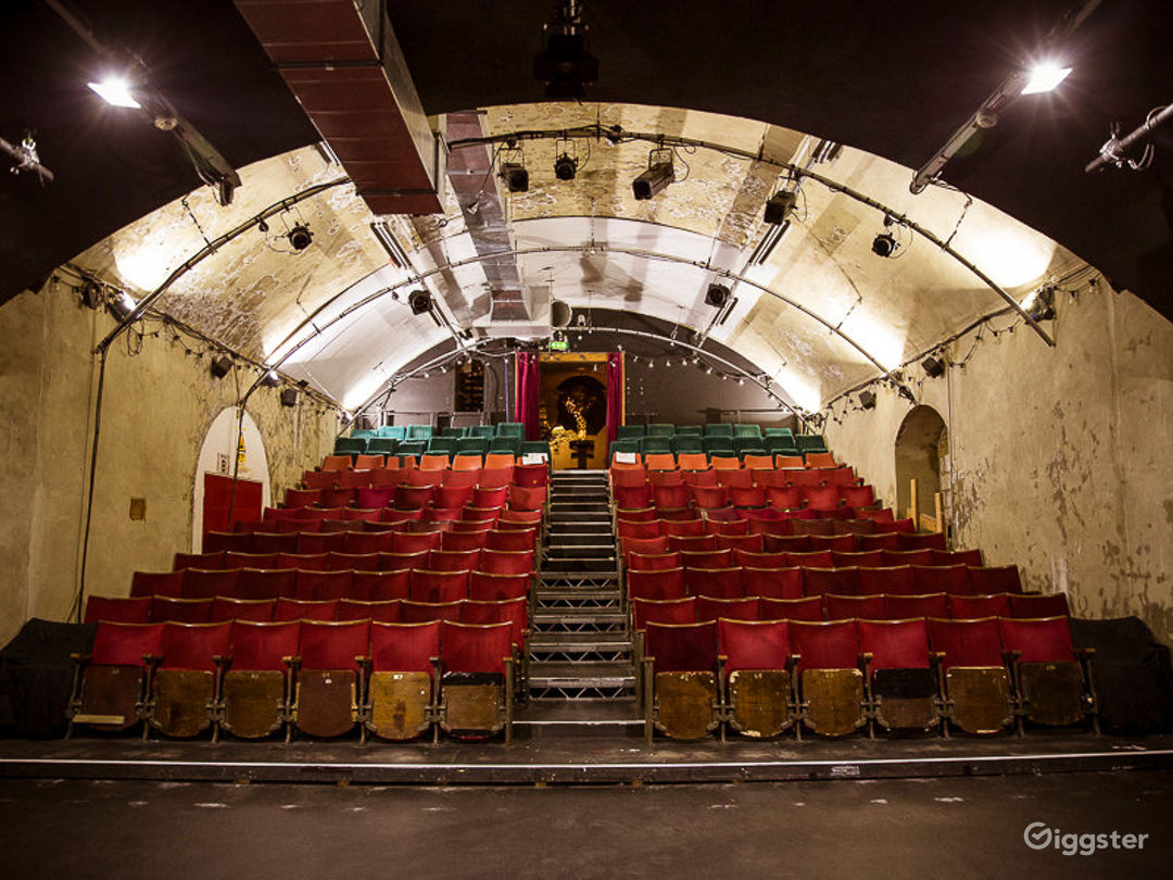 Alternative Art Theatre in London Photo 1