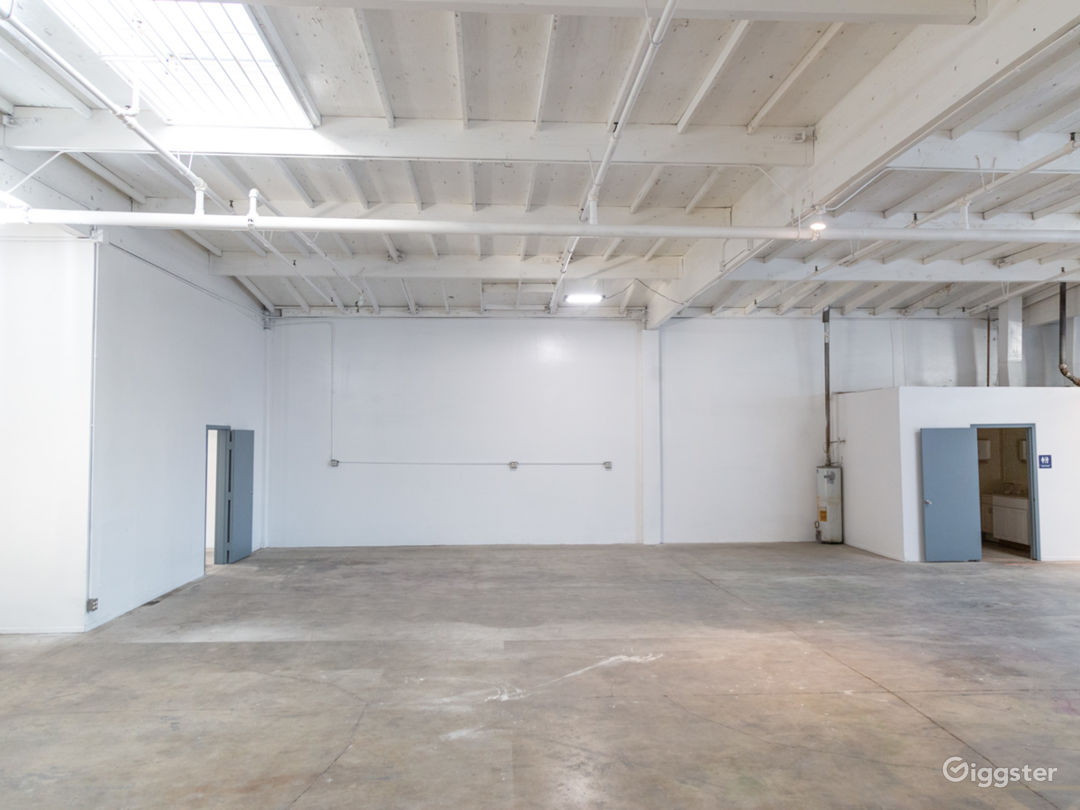 Raw Studio/Warehouse For Filming and Events Photo 3