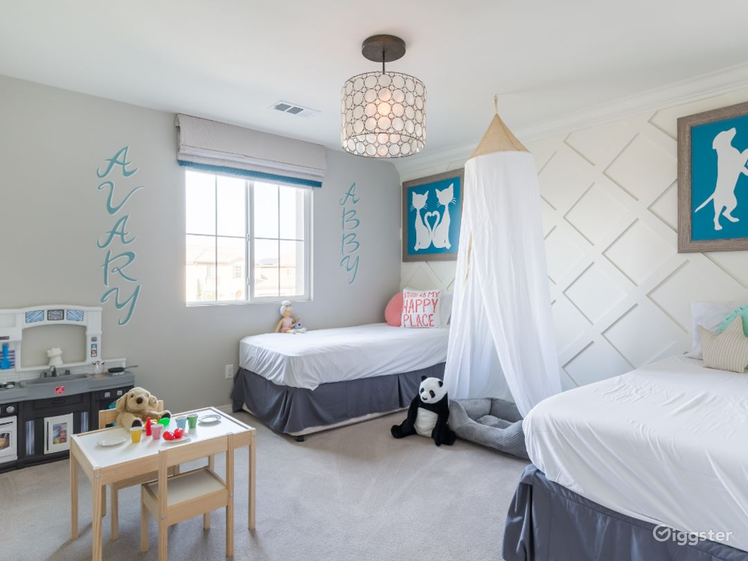 Kid's Bedroom/ Play Room