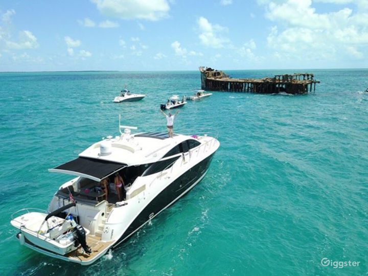 High-Class 65FT SEA RAY L650 Party Yacht Space Events with Jetski Included Photo 4