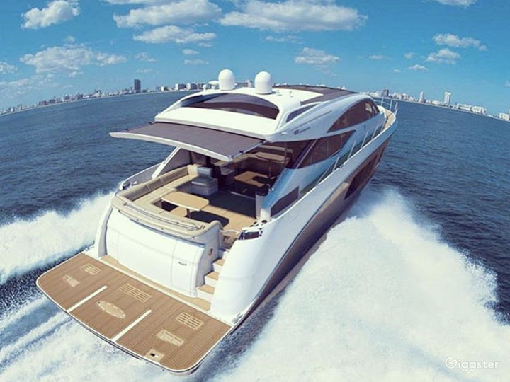 High-Class 65FT SEA RAY L650 Party Yacht Space Events with Jetski Included Photo 5