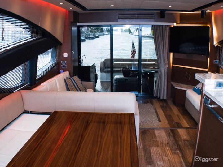 High-Class 65FT SEA RAY L650 Party Yacht Space Events with Jetski Included Photo 2