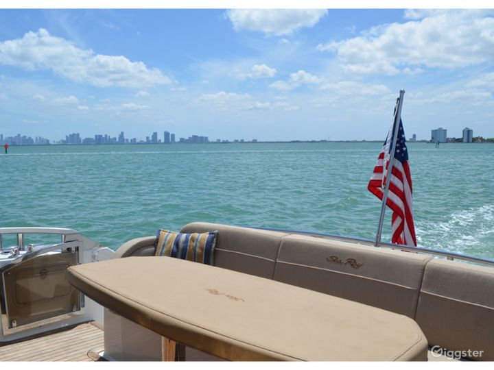 High-Class 65FT SEA RAY L650 Party Yacht Space Events with Jetski Included Photo 3