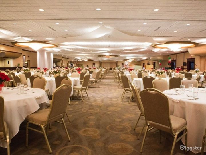 Spacious Grand Ballroom in Ohio Photo 3