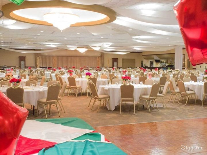 Spacious Grand Ballroom in Ohio Photo 2