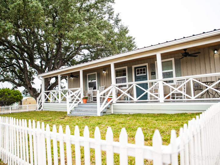 Boutique Hotel Venue on Beautiful Hill Country Photo 2