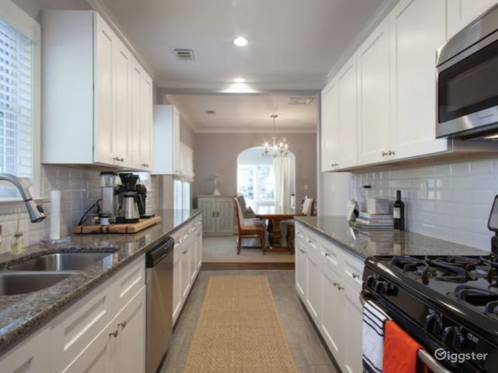 Charming 1930's Westview Bungalow Photo 4