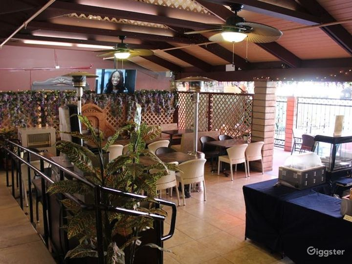 Dining Area with Pool Photo 3