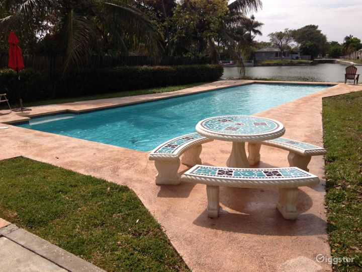 Private Residential 50ft Pool Overlooking Lake Photo 4