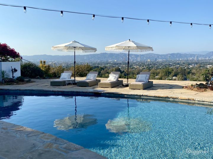 Mid Century Ranch Style Home w/ Amazing View of LA Photo 5