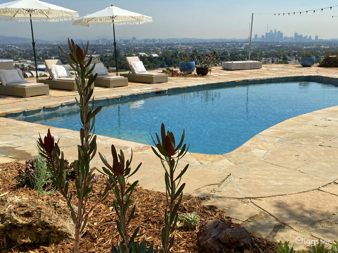 Mid Century Ranch Style Home w/ Amazing View of LA Photo 1
