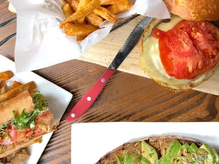 Authentic Restaurant in New York Photo 5