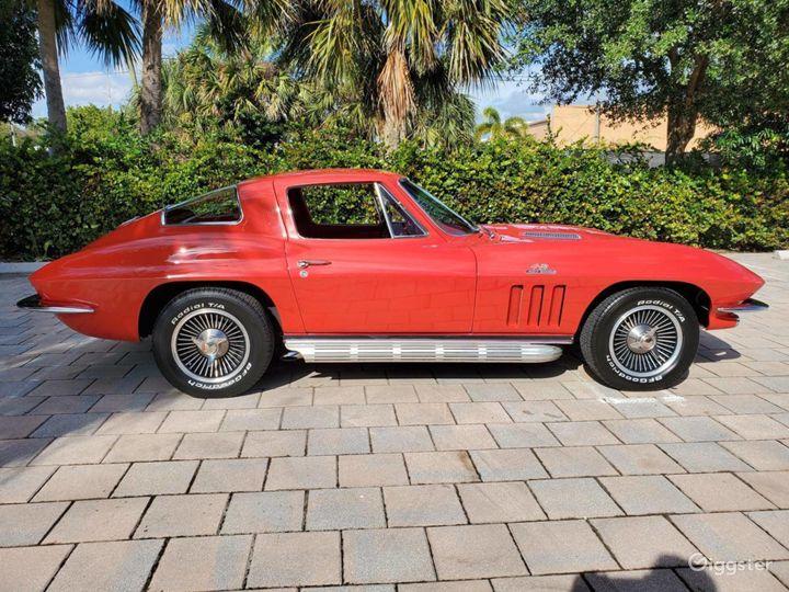 Seductive Red 1966 Chevrolet Corvette  Photo 3