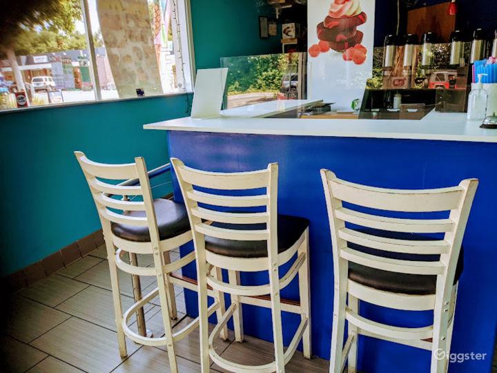 Warm Indoor Bar in Menlo Park Photo 4