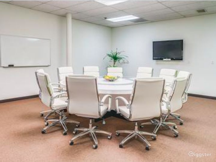 Well-kept Conference Room in Irvine Photo 2