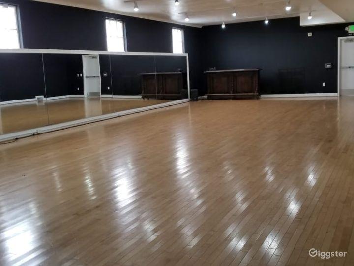 Large Studio with Elegant Charm and Smaller Studio Photo 5