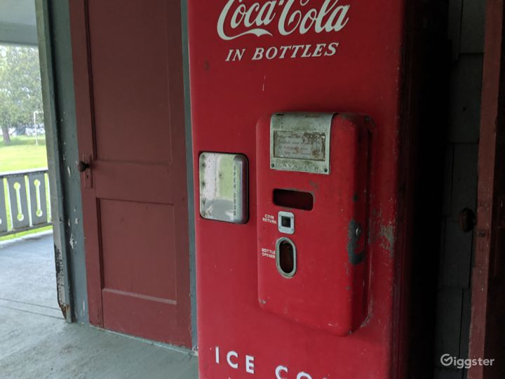 Original Coca-cola machine, Still working!!