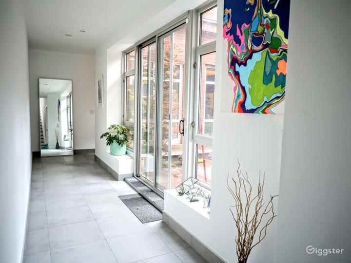 Modern Brooklyn apartment: Location 5121 Photo 3