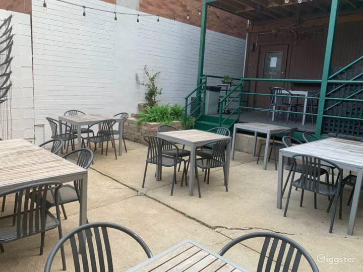 Lincoln Park Hidden Oasis Patio and Cafe Photo 2