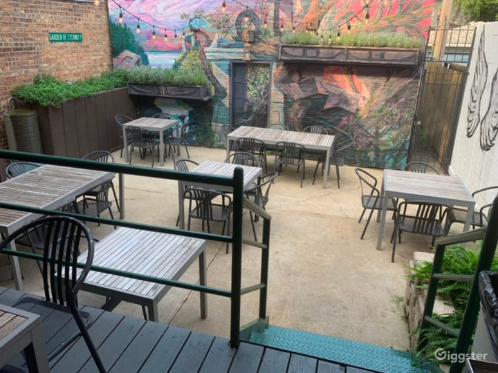 Lincoln Park Hidden Oasis Patio and Cafe