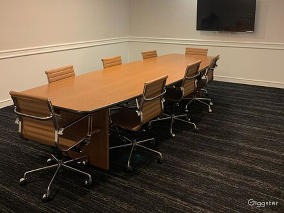 Small Conference Room in Beverly Hills Photo 1