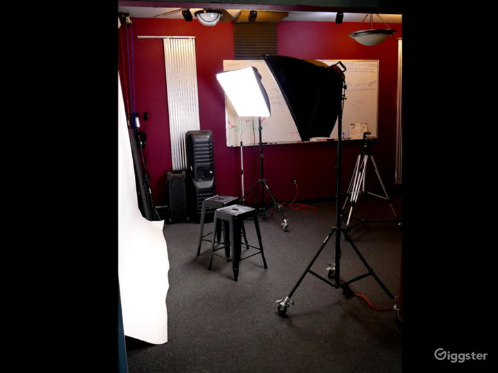 Woodlands Area Photo Studio – Backdrops & Lights Photo 3