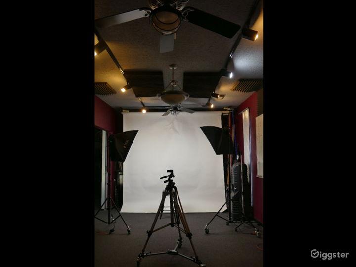Woodlands Area Photo Studio – Backdrops & Lights Photo 4