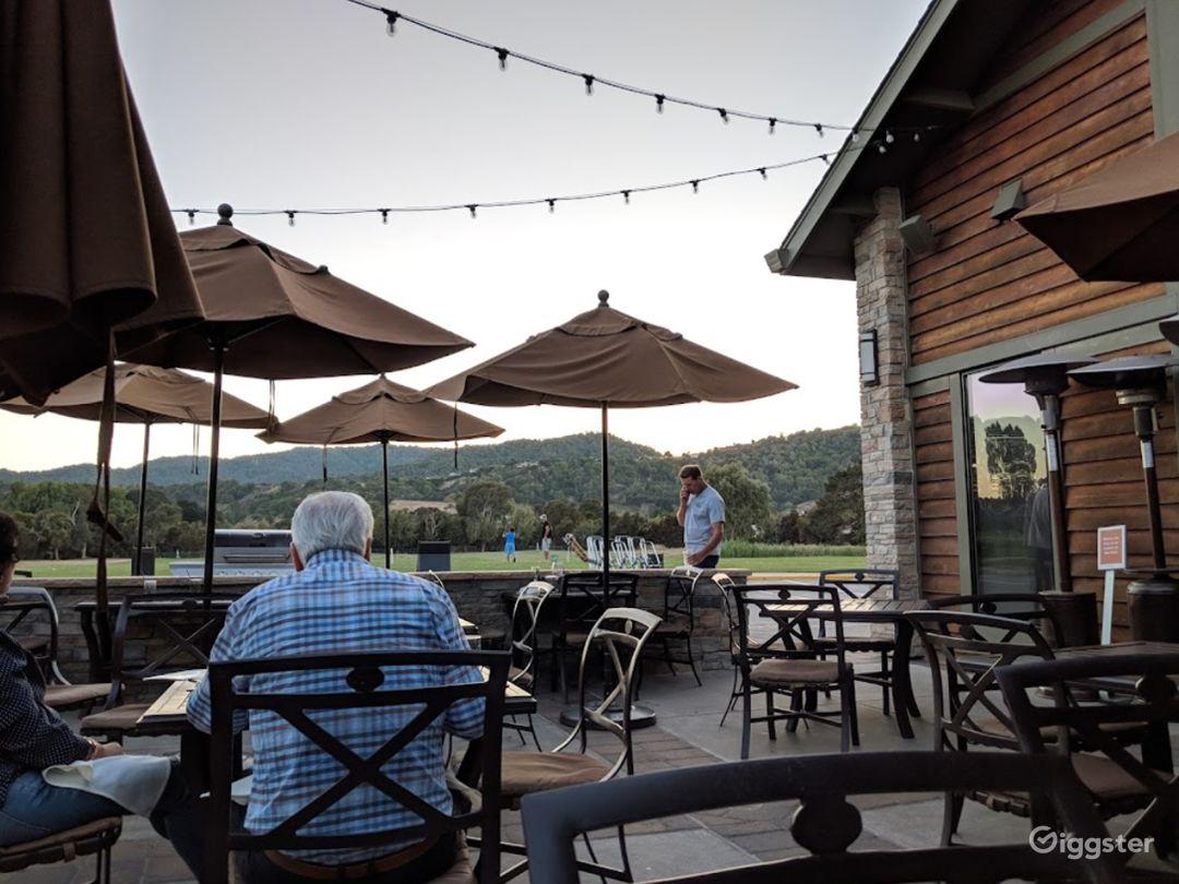 Flexible Outdoor Dining Space in San Rafael Photo 1