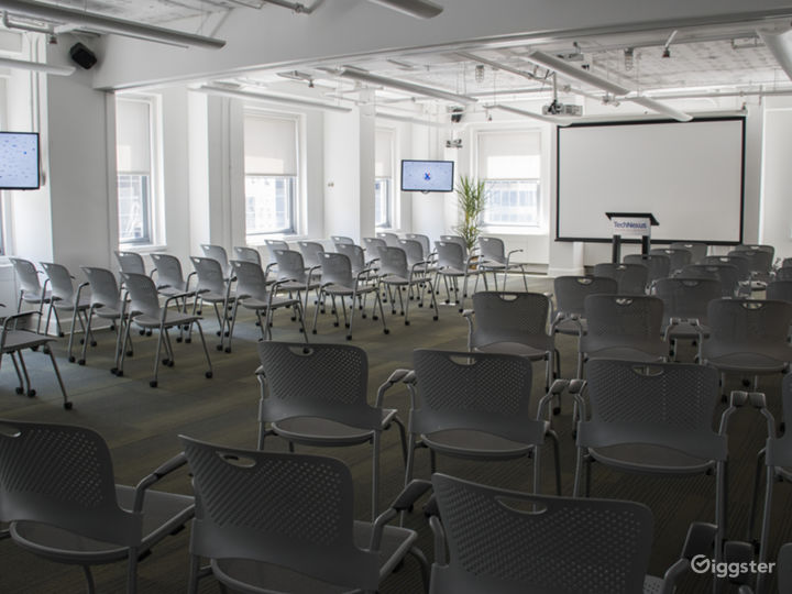 Extra Large Meeting Space with a View Photo 3
